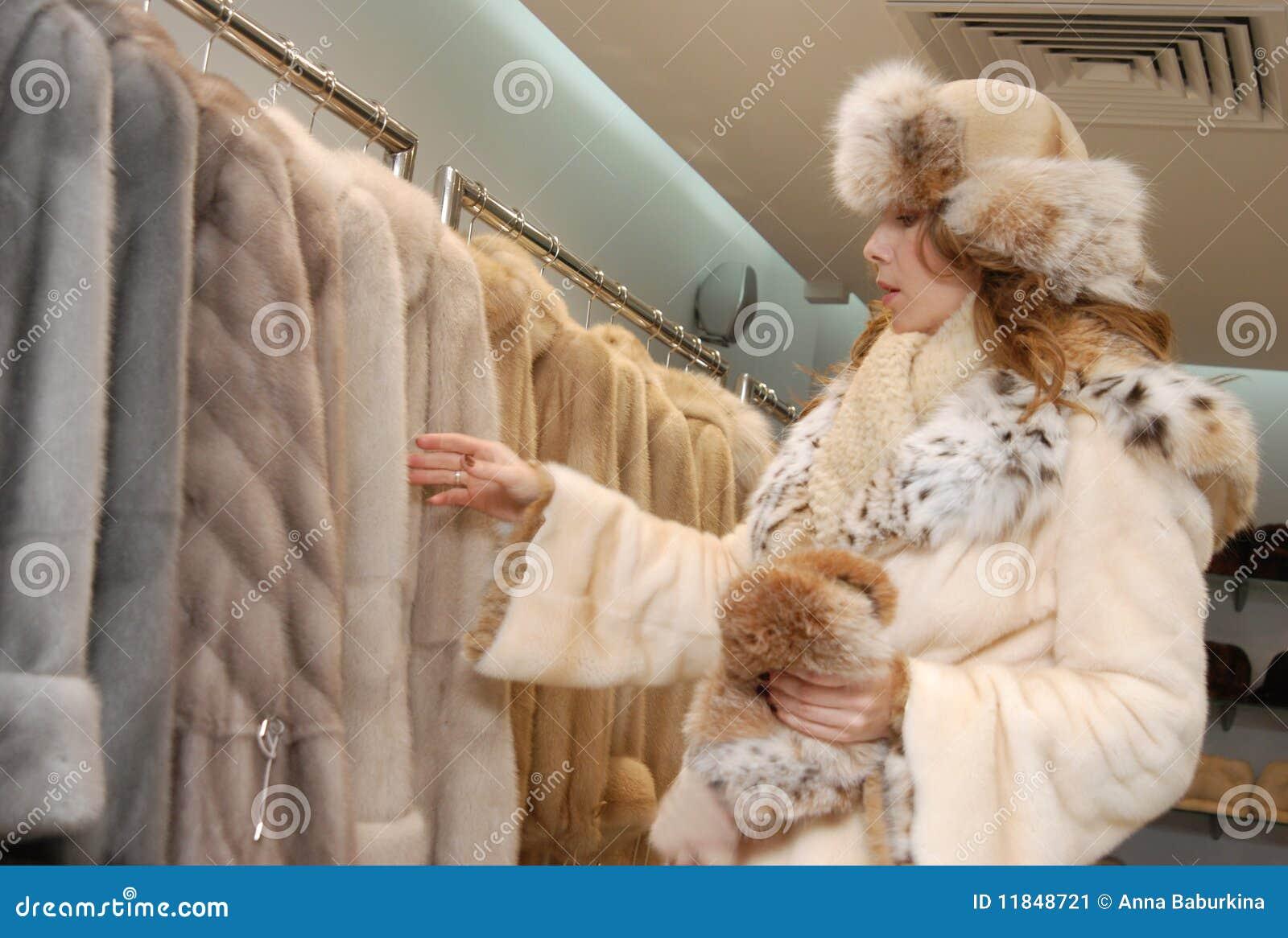 Cappotto di pelliccia di chois della donna