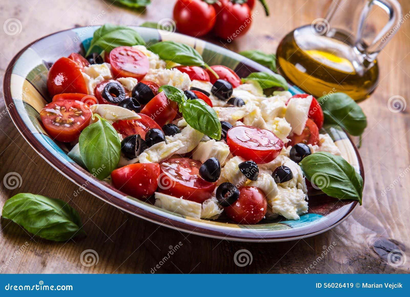 Caprese De Salade Van Caprese Italiaanse Salade Mediterrane Salade ...