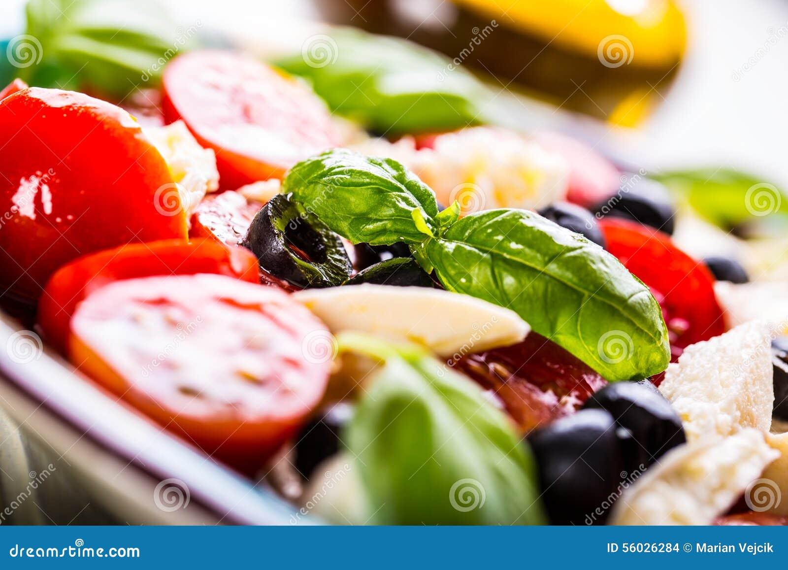 Caprese Salada de Caprese Salada italiana Salada mediterrânea Culinária italiana Culinária mediterrânea
