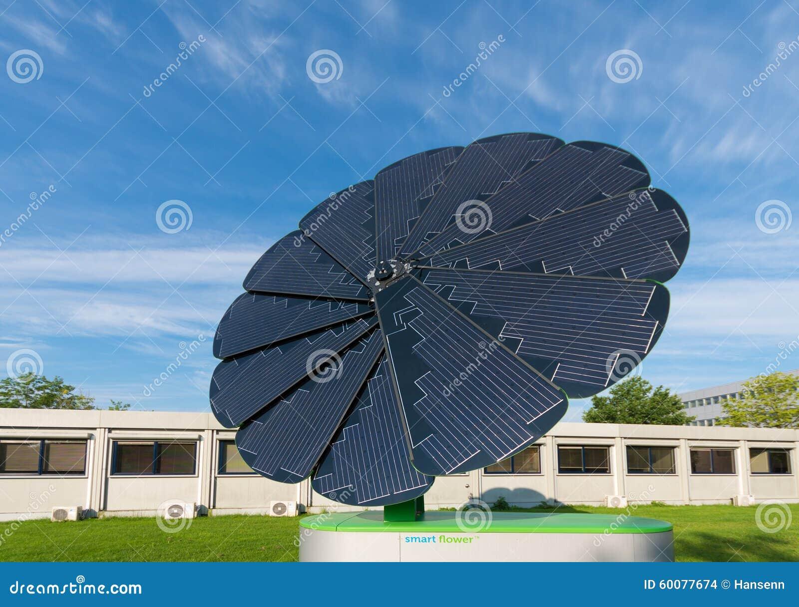 Capteur solaire pliable image stock ditorial image 60077674 - Capteur d energie solaire ...