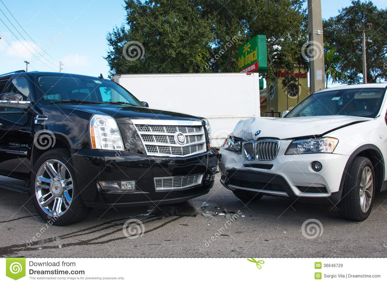 Collision Auto Repair >> Car Collision Editorial Stock Image - Image: 36646729