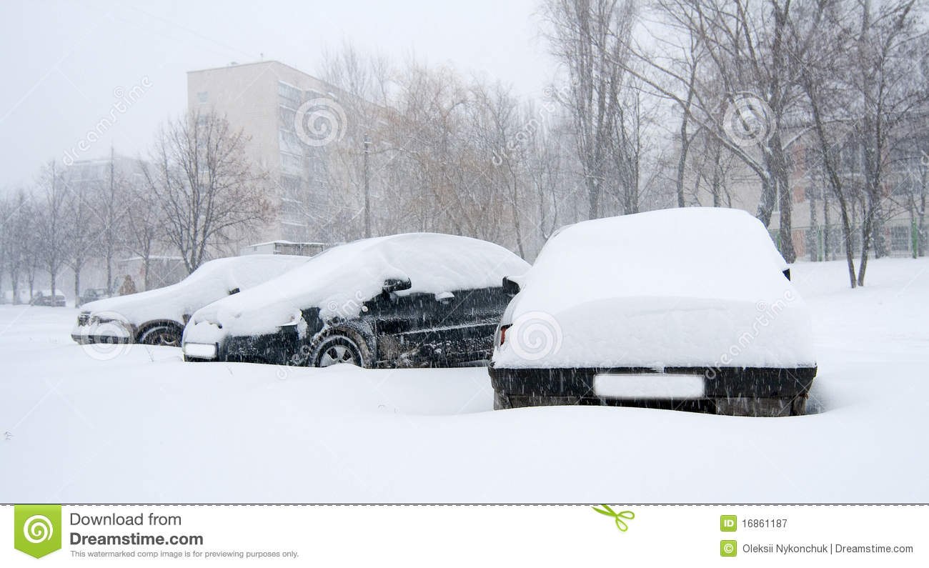 Car Covered In Snow : Car covered in snow royalty free stock photography image