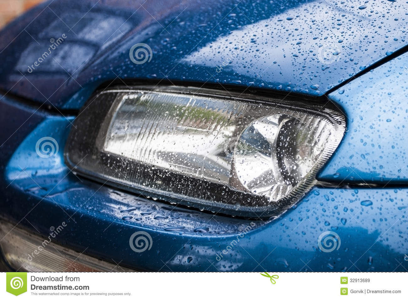 Truck Headlights In Rain : Car headlights after a rain royalty free stock images