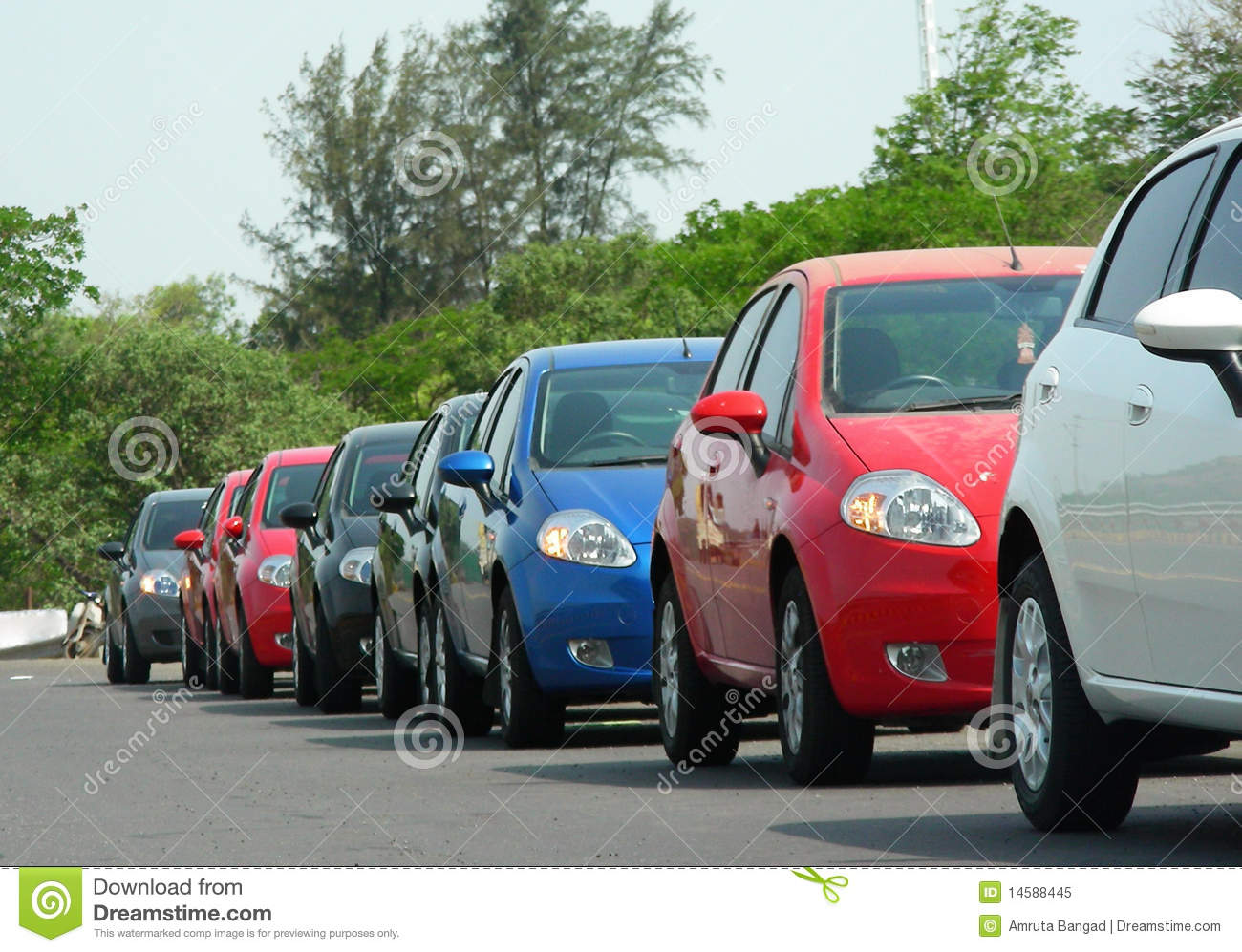 line cars single parked royalty same road type park dreamstime