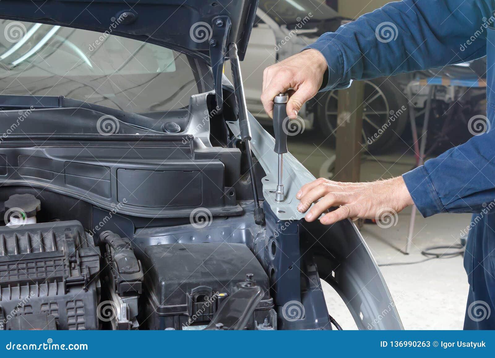 Car Repair Insurance >> Car Repair Stock Image Image Of Collision Insurance