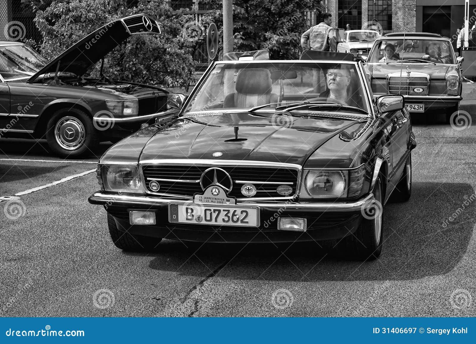 car mercedes benz r107 280sl black and white editorial. Black Bedroom Furniture Sets. Home Design Ideas