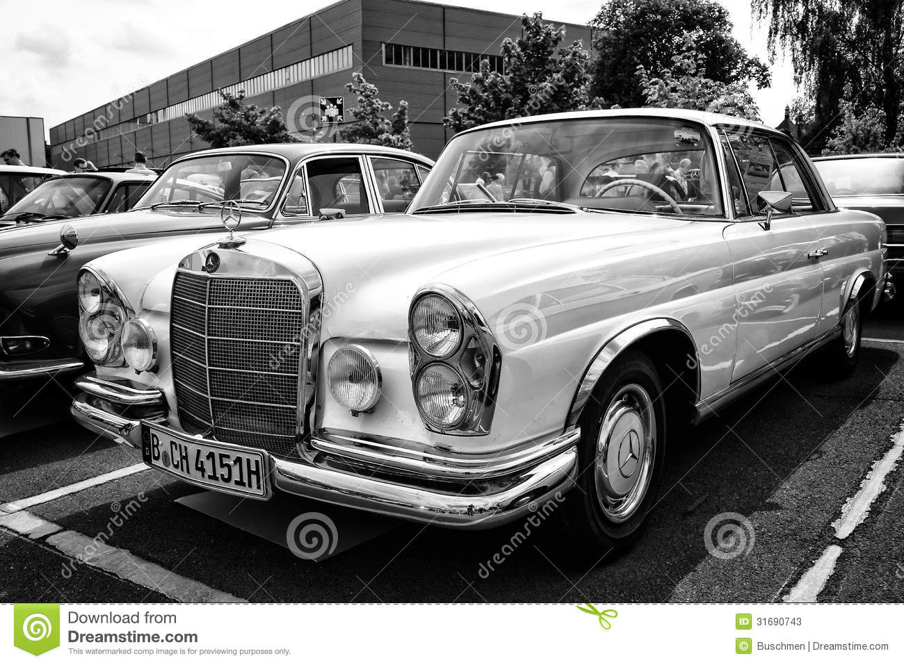 car mercedes benz 280 se w111 coupe editorial stock photo image 31690743. Black Bedroom Furniture Sets. Home Design Ideas