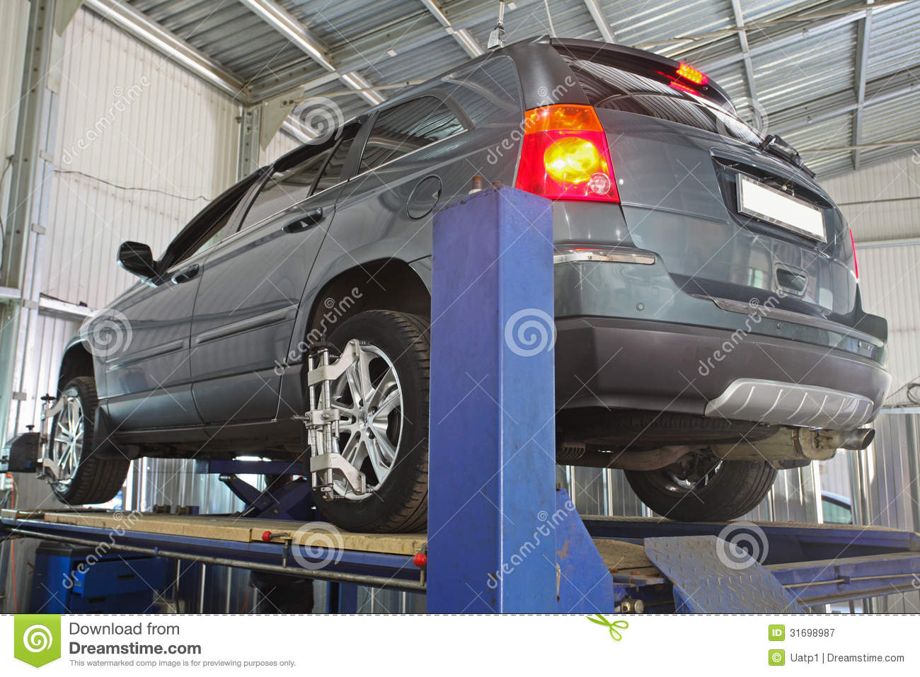 A car repair garage royalty free stock photography image for Garage reparation auto