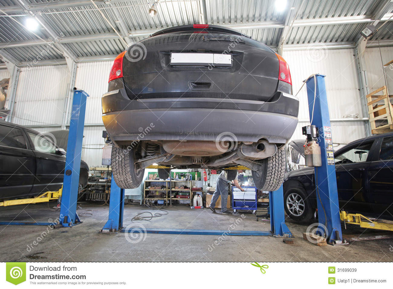 A car repair garage stock image image of change service for Garage reparation auto