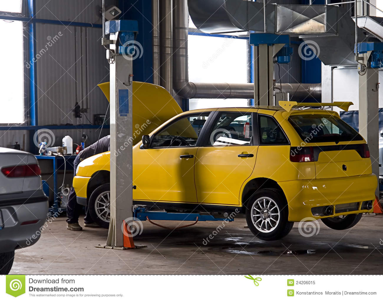 Car service garage stock image image of repair elevator for Garage reparation auto
