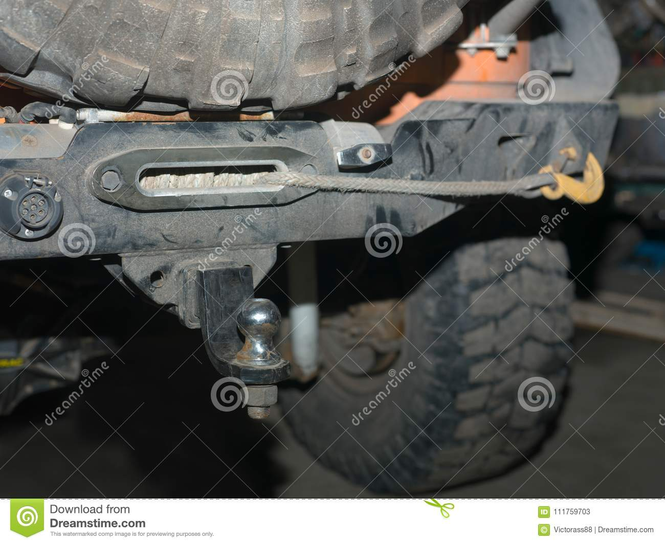Hook up a tow bar