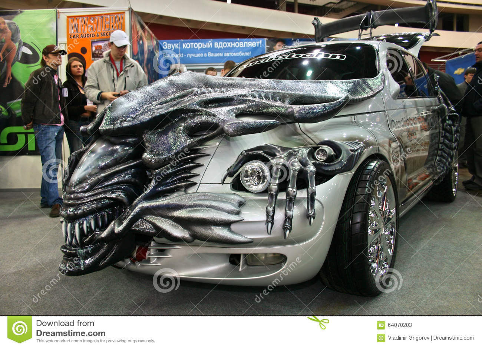Auto Vinyl Wrap >> Car Tuning Style Alien, This Alien-themed PT Cruiser Was ...