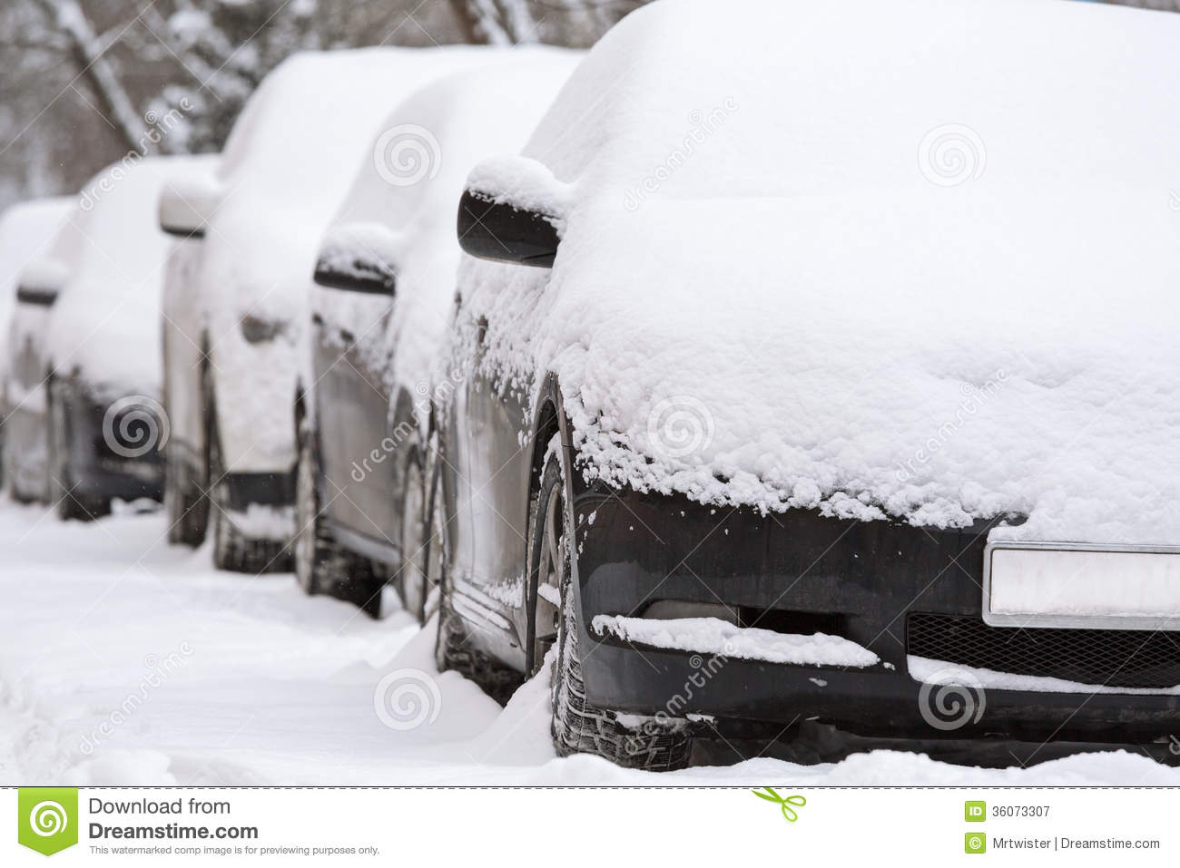Car Covered In Snow : Car under snow royalty free stock photography image
