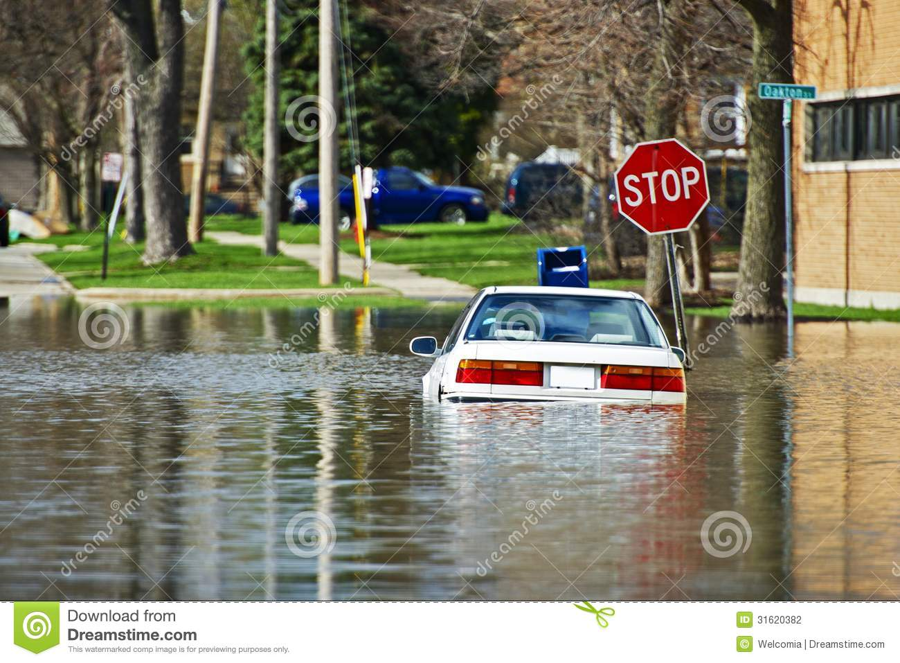 Car Under Water Stock Photography Image 31620382
