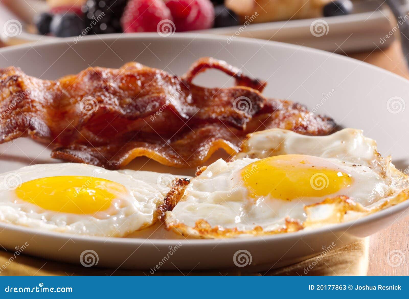 Huevos Con Tocino huevos con tocino frito