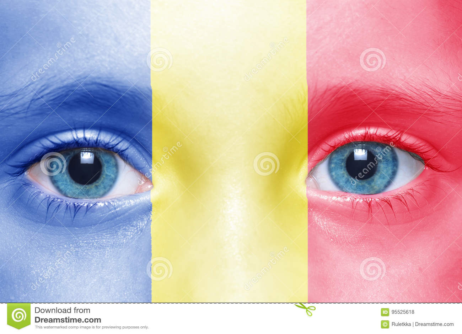 Cara com bandeira romena