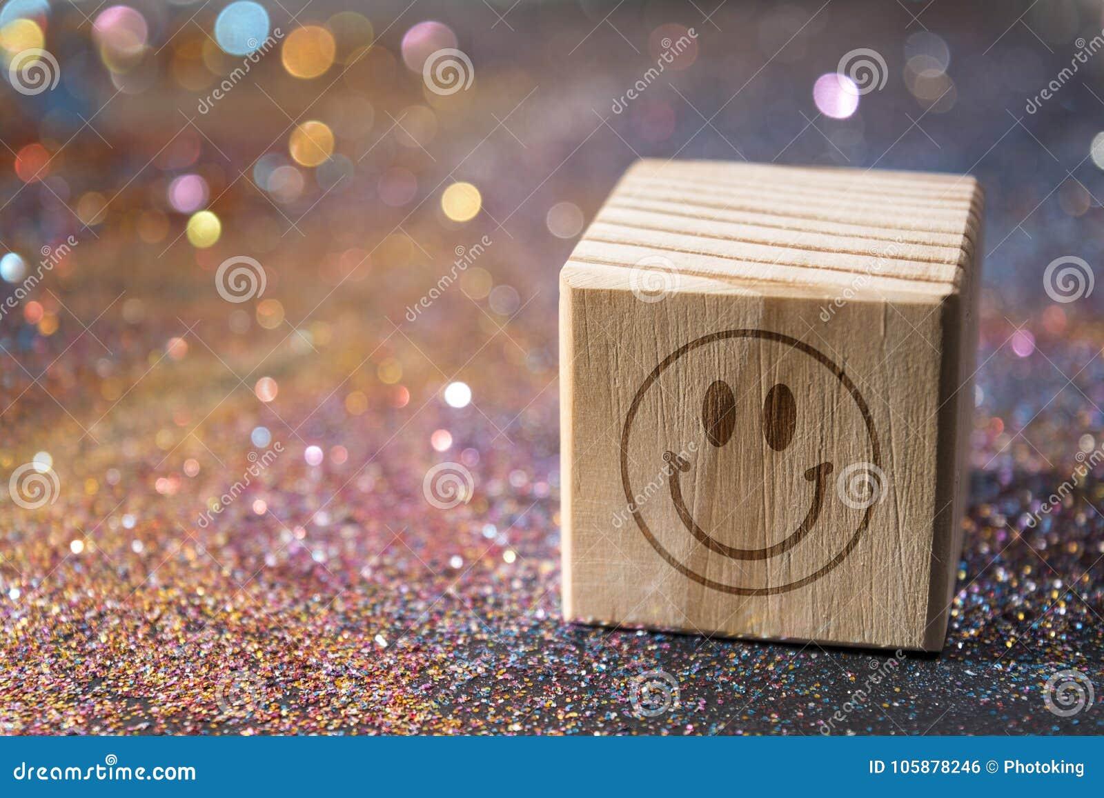 Cara do smiley no cubo