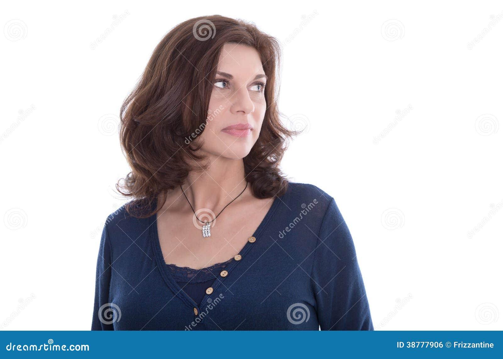 Cara infeliz da mulher mais idosa isolada no branco.