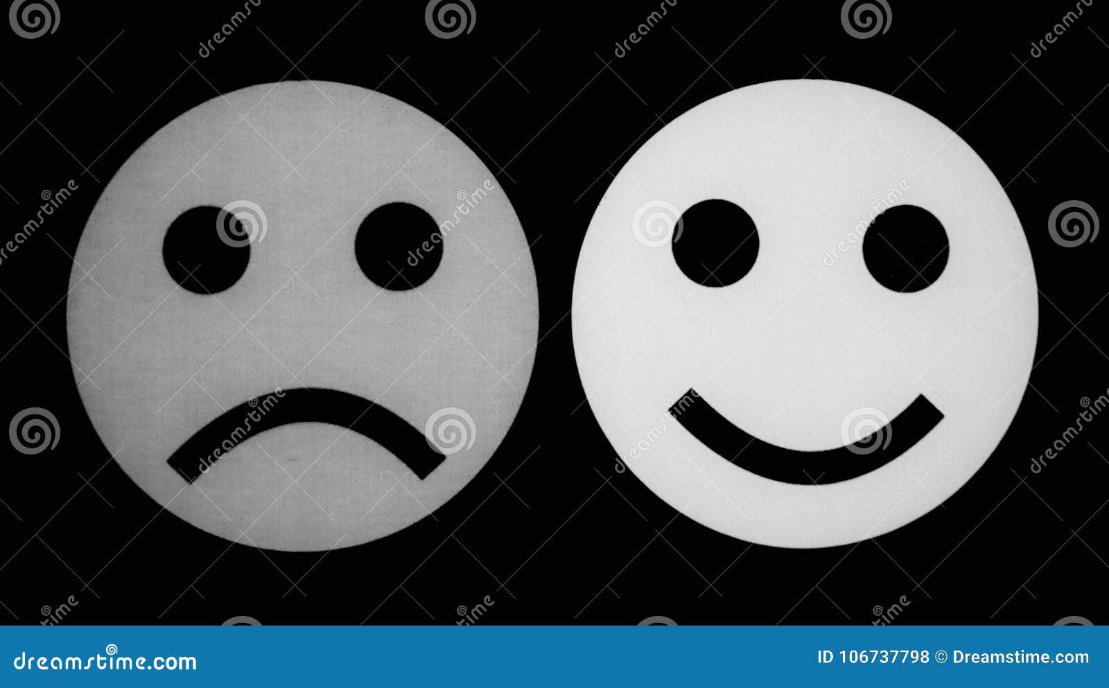 Cara Sonriente Blanco Y Negro Y Cara Triste Foto De Archivo Imagen De Cara Negro 106737798