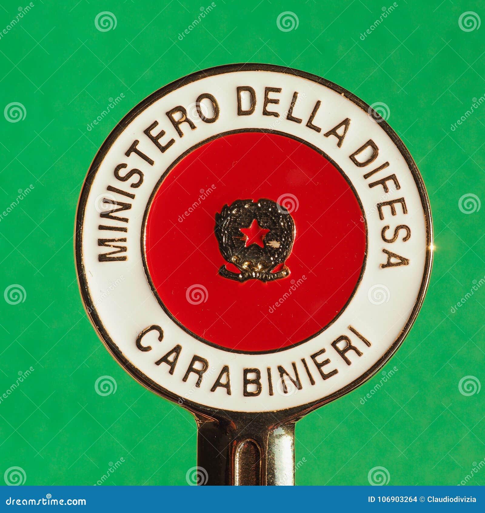Carabinieri sygnalizacyjny dysk w Mediolan