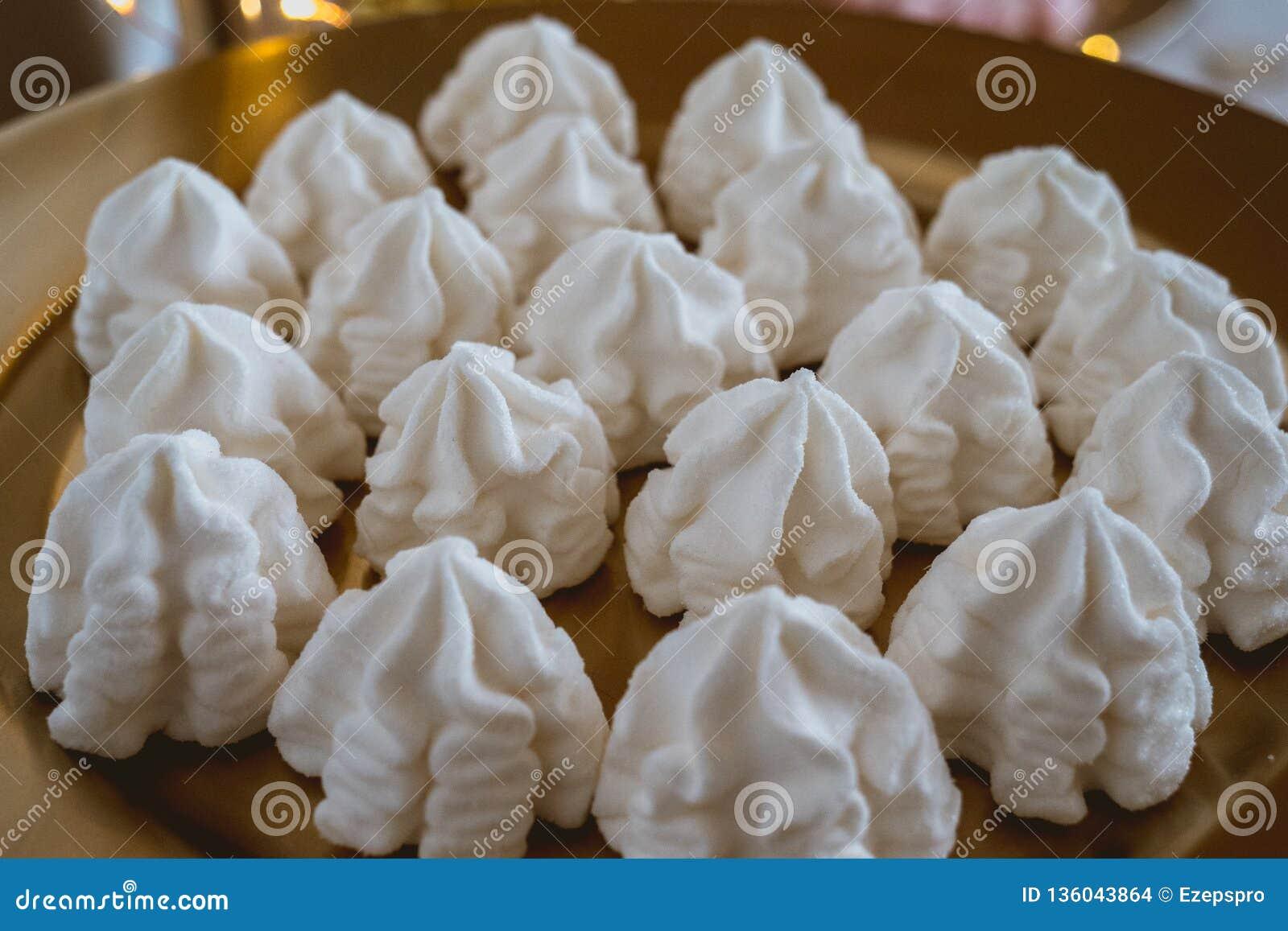 Caramelle e dolci in una barra libera di nozze
