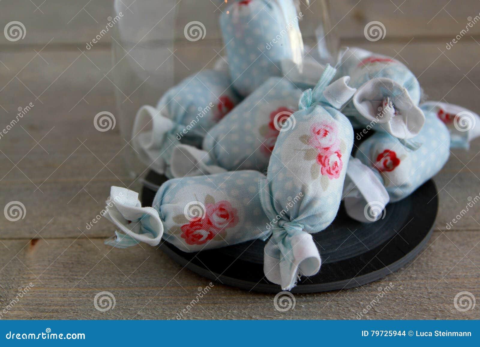 Caramelo de algodón para la decoración interior en pizarra