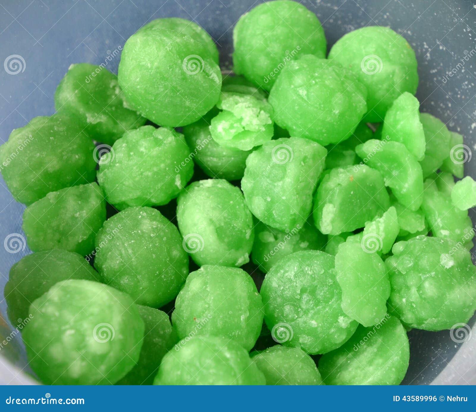 Caramelos de menta verdes foto de archivo. Imagen de niñez - 43589996