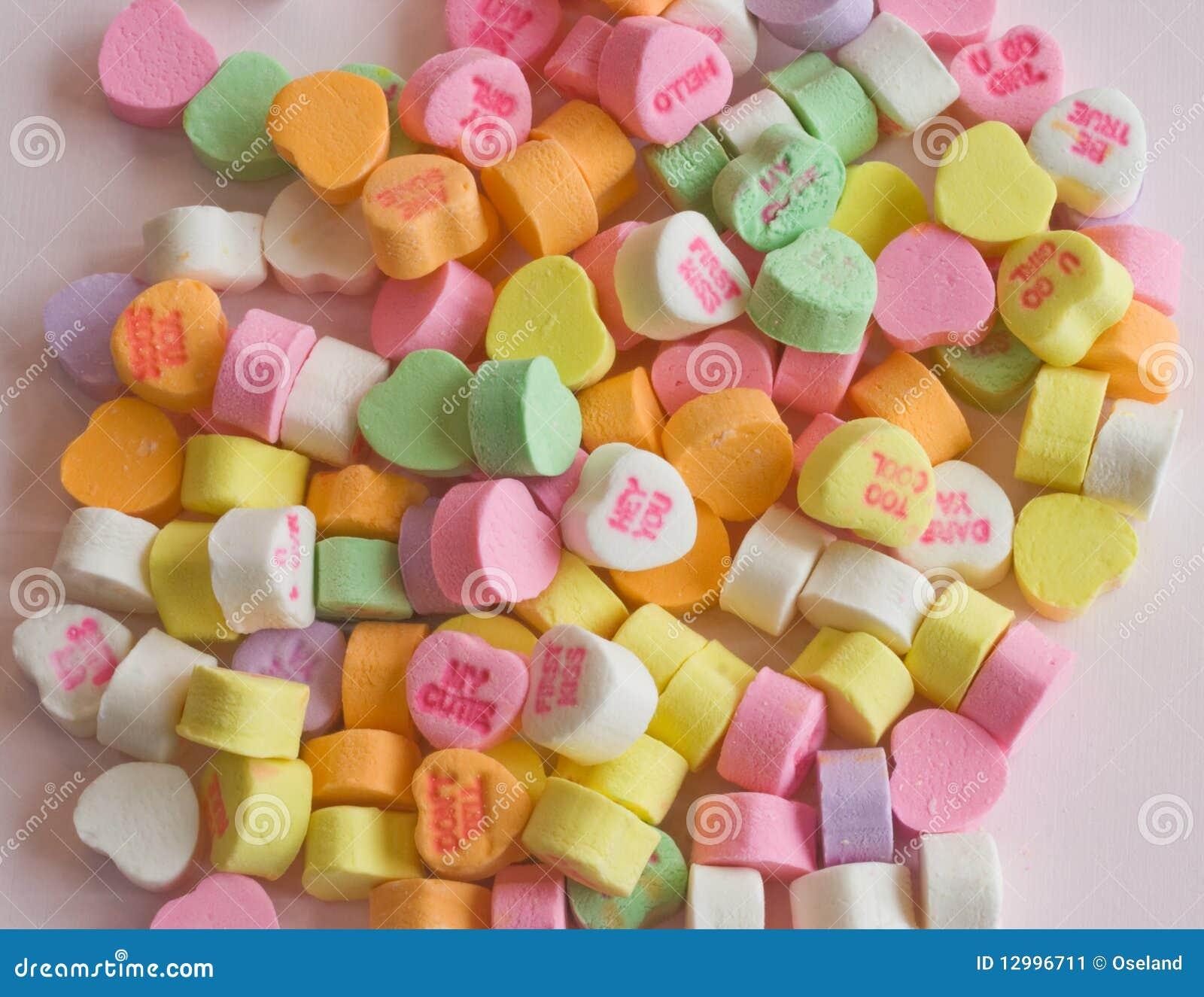 Caramelos Del Corazón De La Tarjeta Del Día De San Valentín Imagen ...
