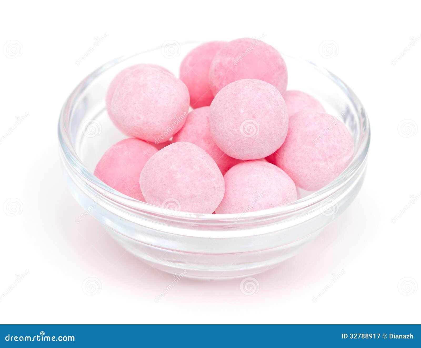 Caramelos rosados en un bol de vidrio fotograf a de - Bol de vidrio ...
