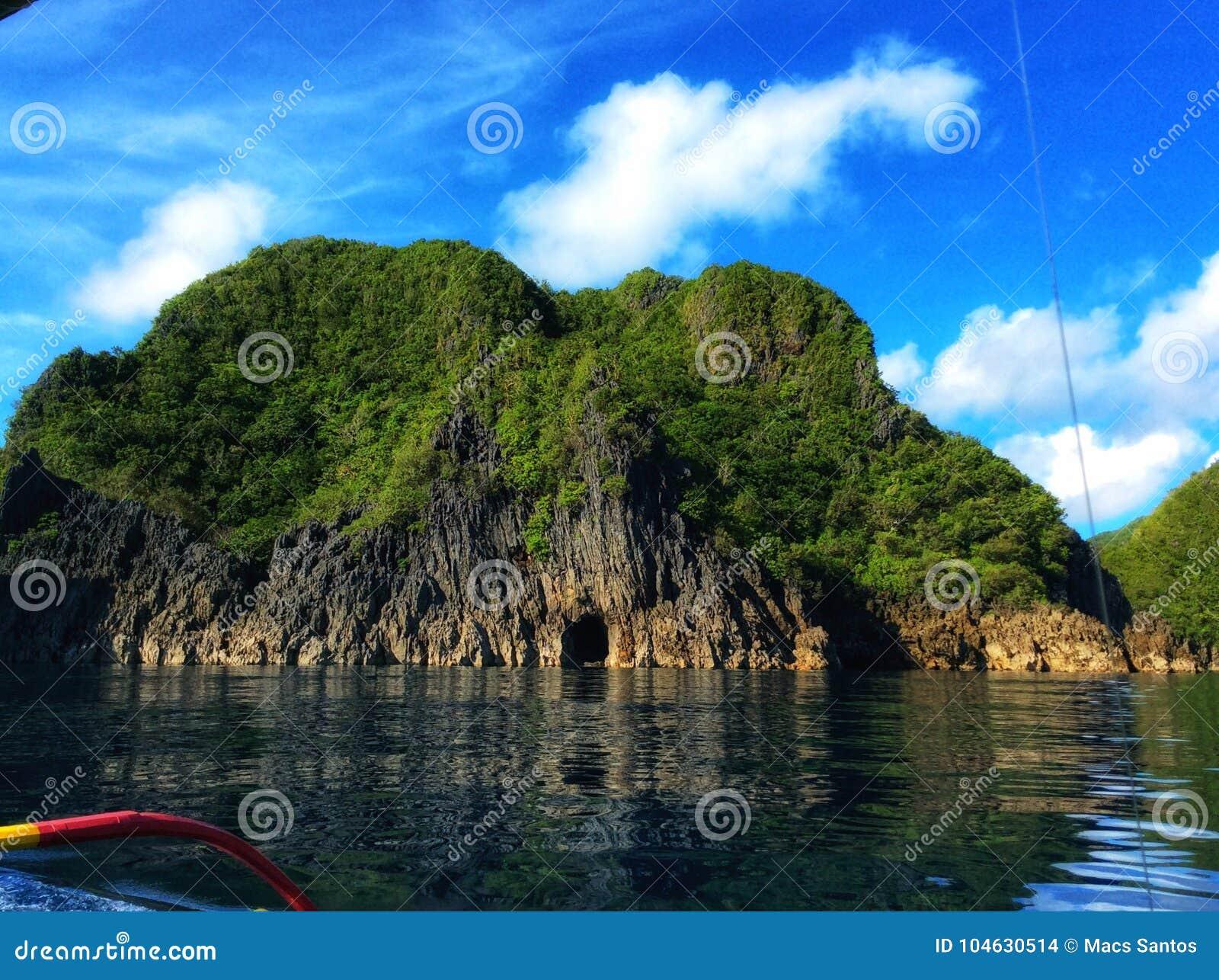 Download Caramoanavontuur stock foto. Afbeelding bestaande uit landschap - 104630514