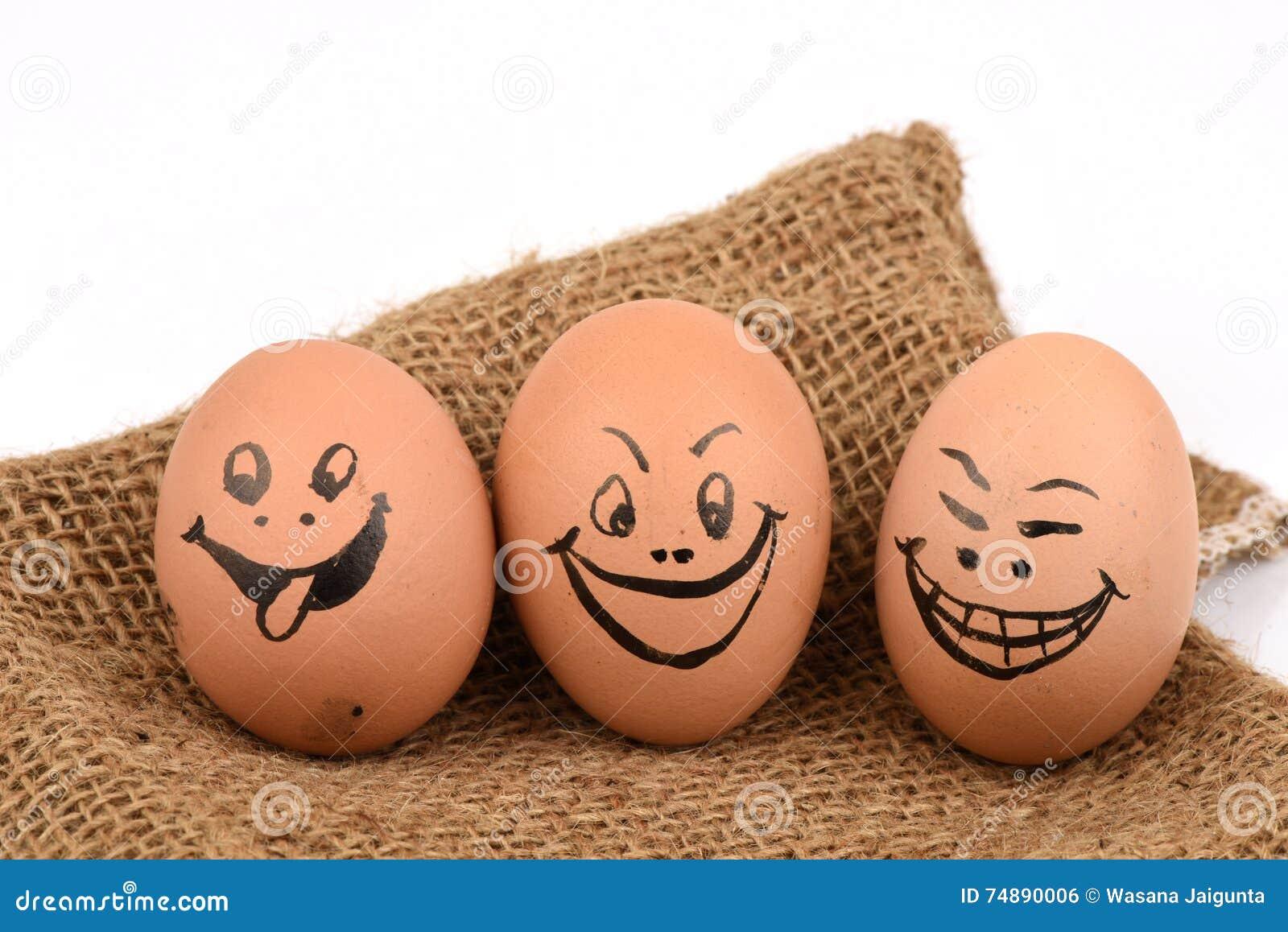 Caras dos ovos