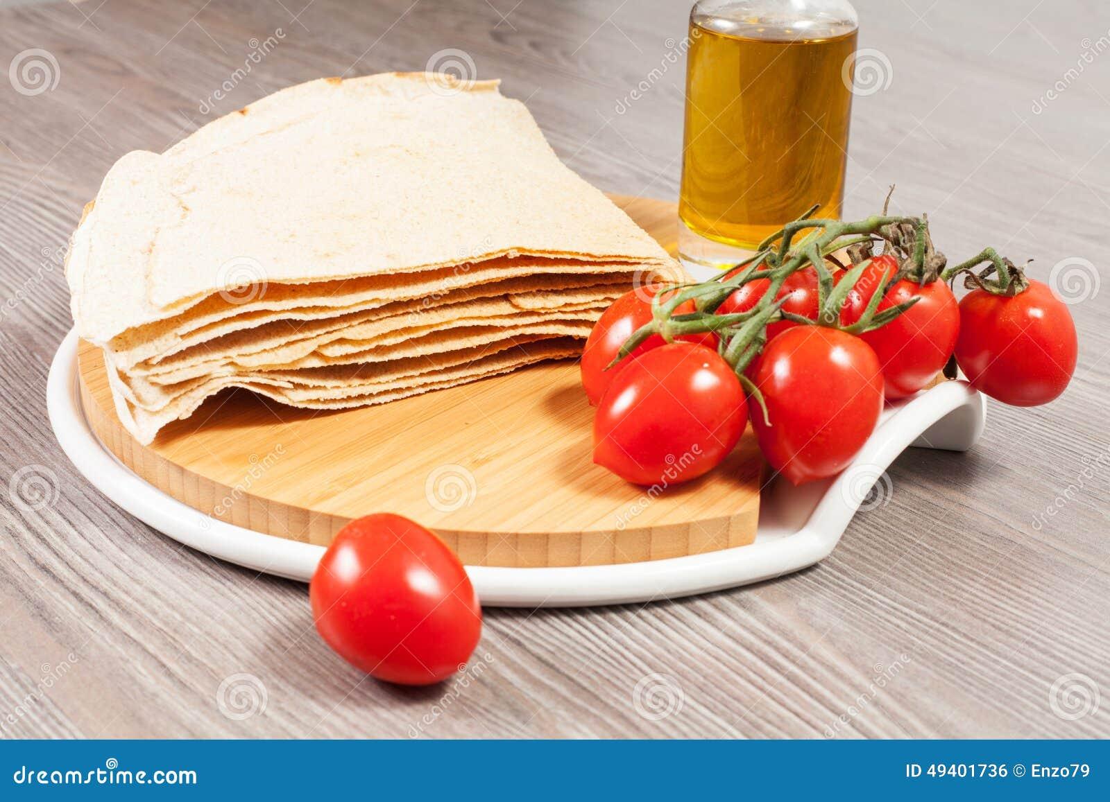 Download Carasau-Brot Von Sardinien Italien Stockfoto - Bild von sardinien, typisch: 49401736