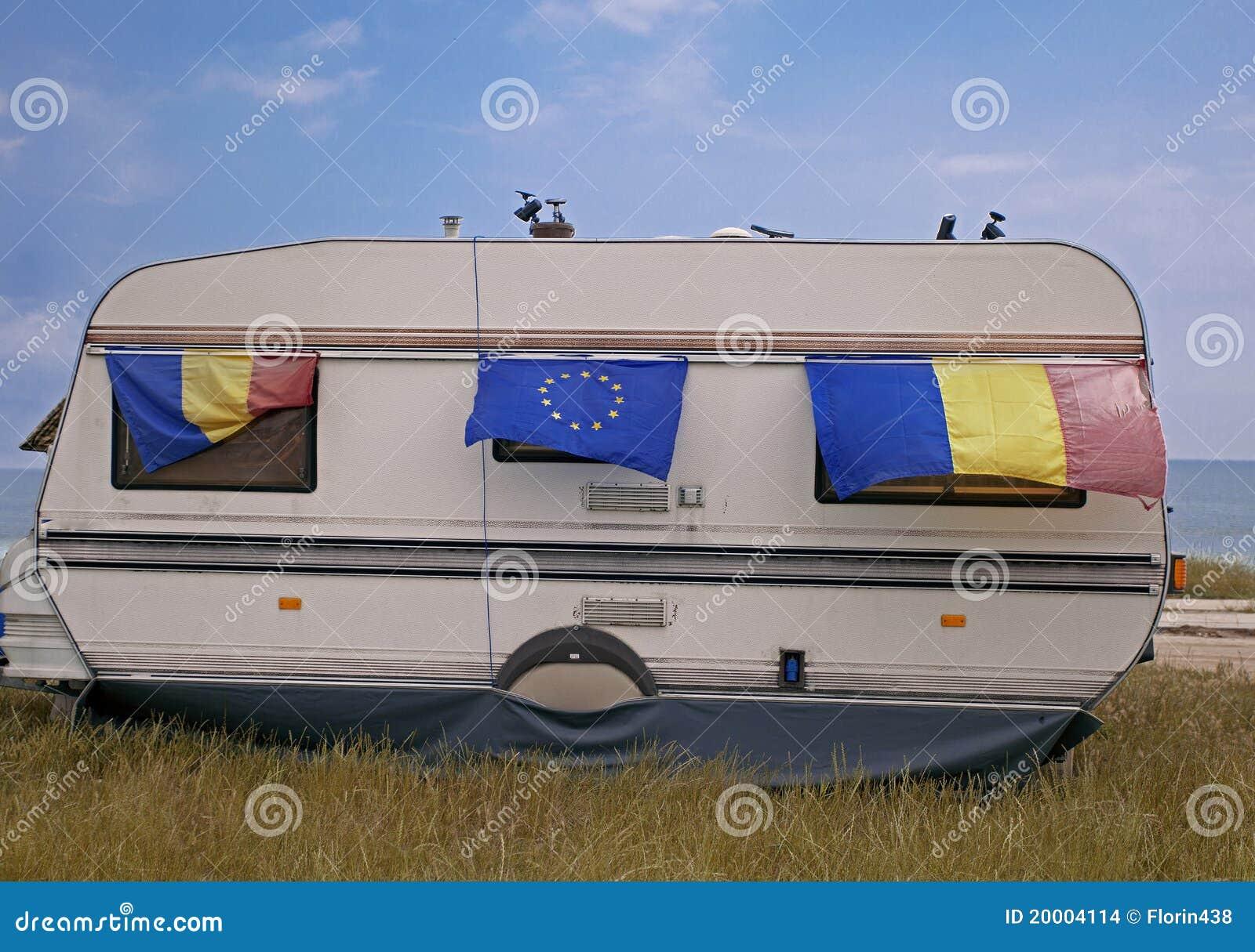 Caravana com bandeiras