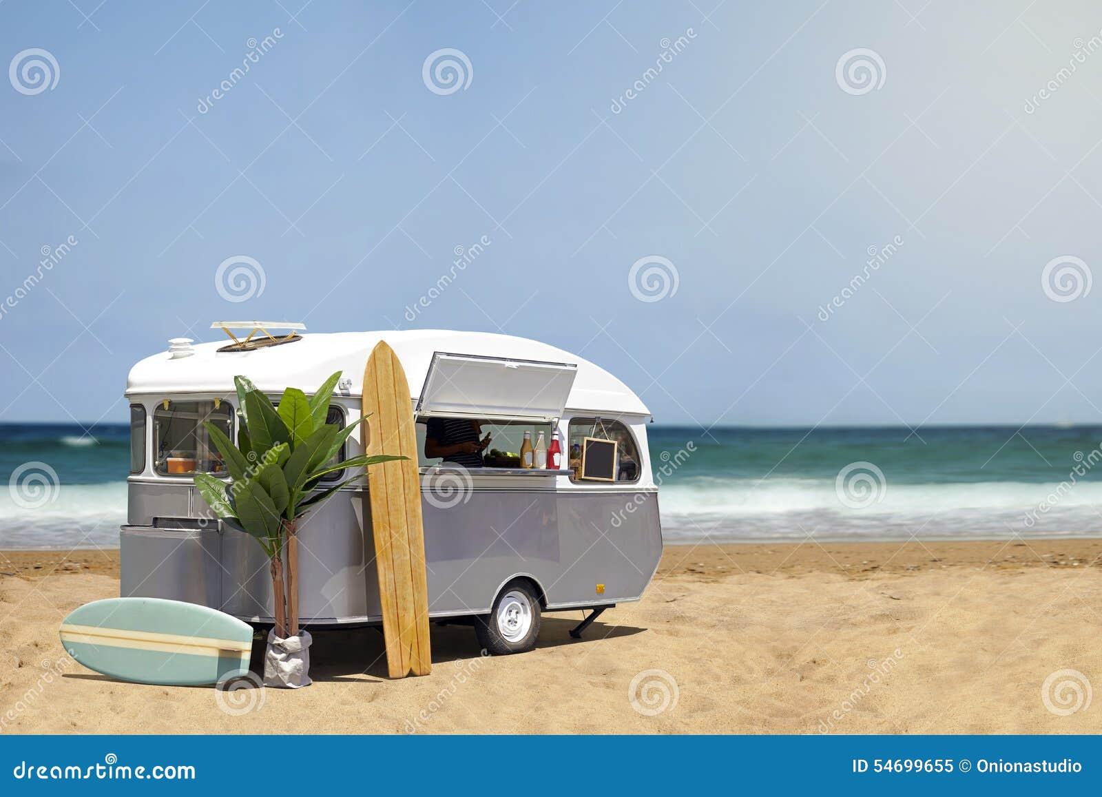 caravane de camion de nourriture sur la plage image stock image du restauration signe 54699655. Black Bedroom Furniture Sets. Home Design Ideas