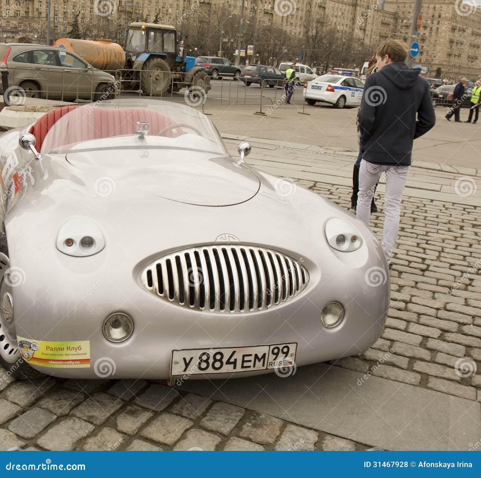 Cardi на ралли классических автомобилей, Москве