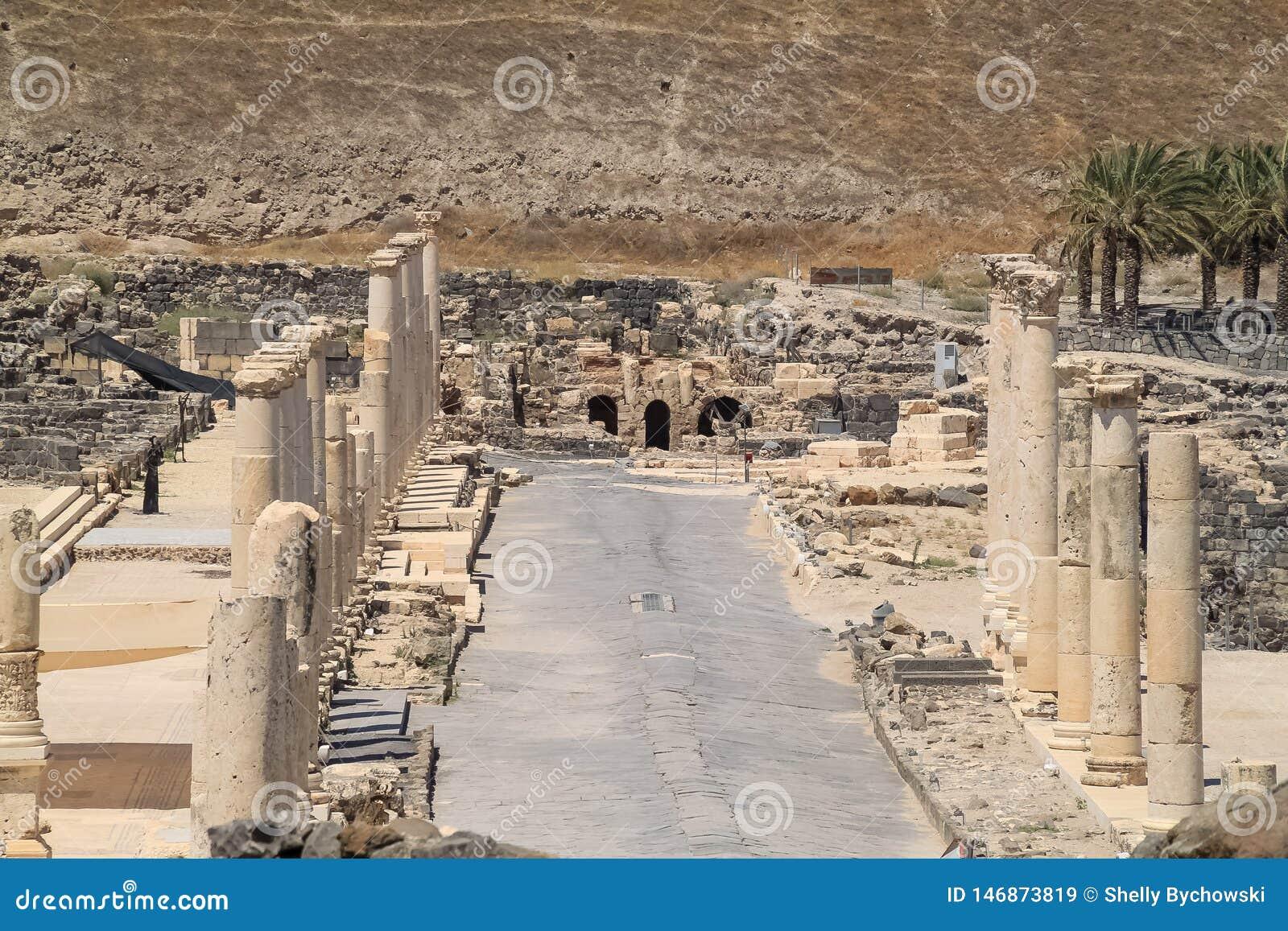 Cardo - Wykładać Romańskie uliczne ruiny Beit Ona «