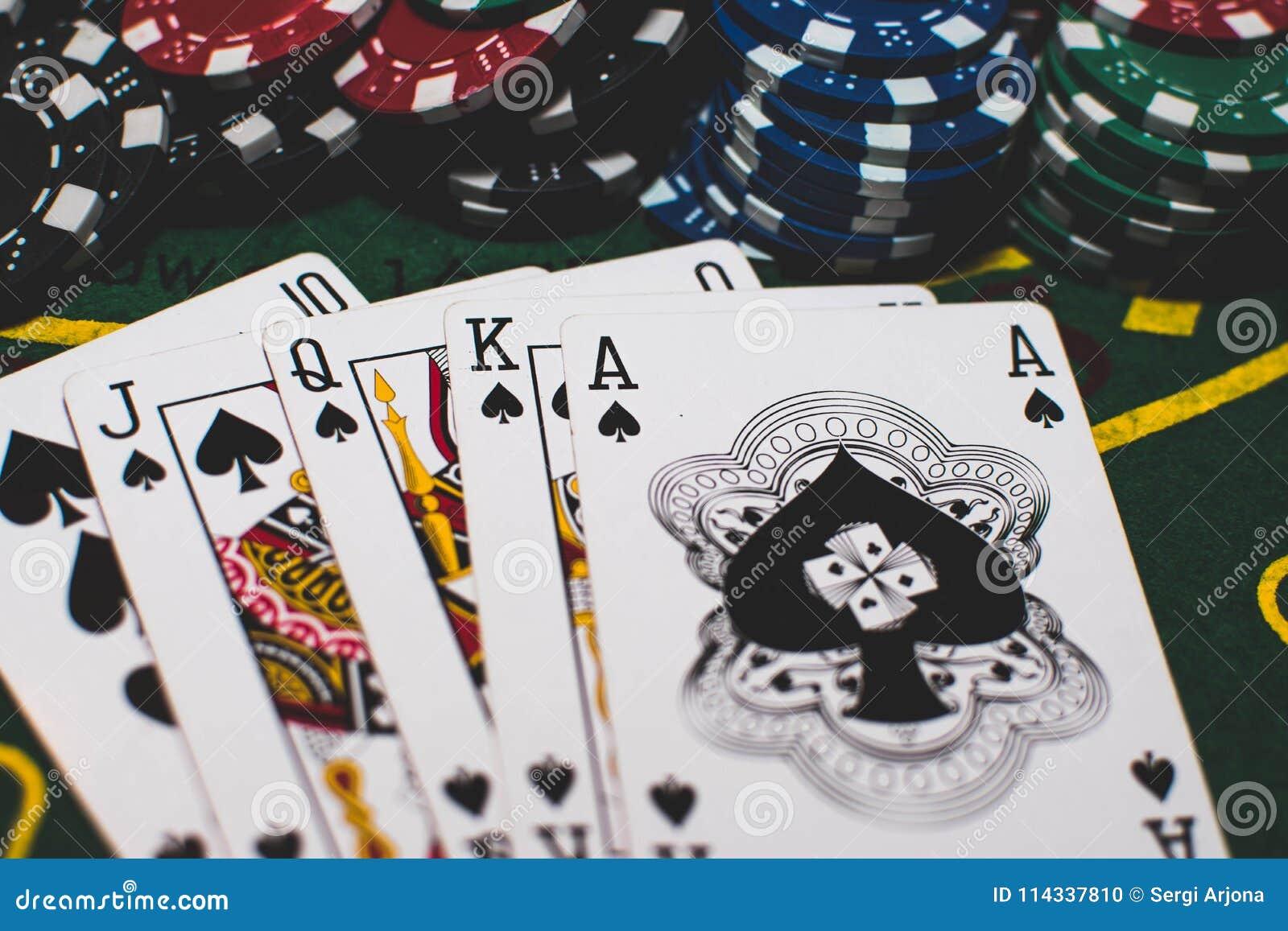 Cards & chips poker