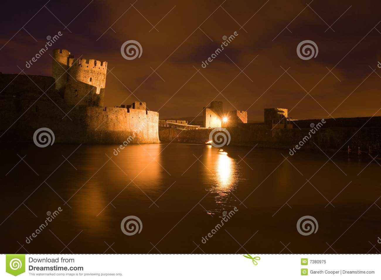 Carephilly Castle at evenlight