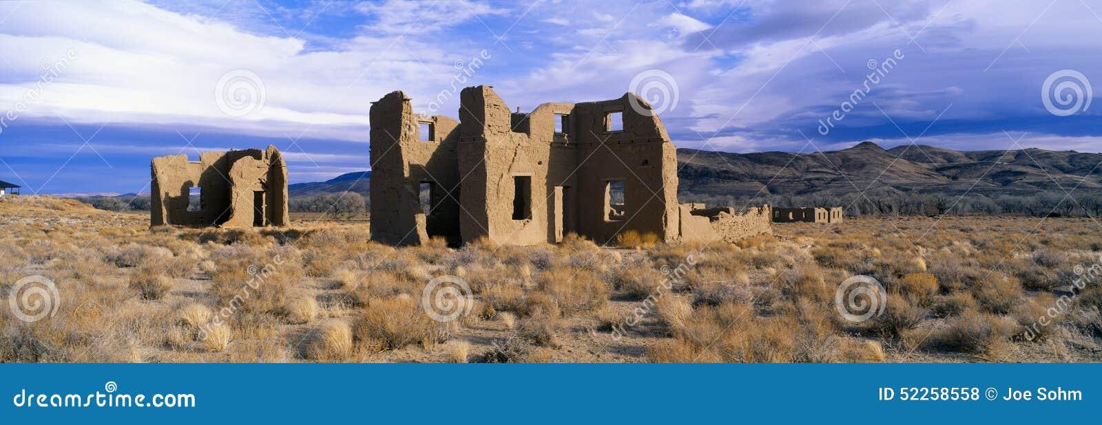 Cargo abandonado do exército, cerca de 1860, parque estadual de Churchill do forte, Nevada