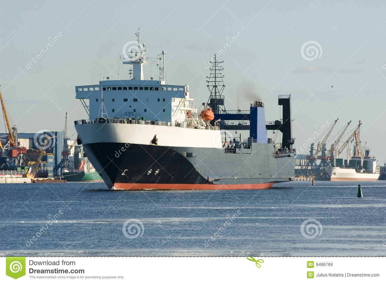 Cargo Ship In Harbor Royalty Free Stock Images - Image ...