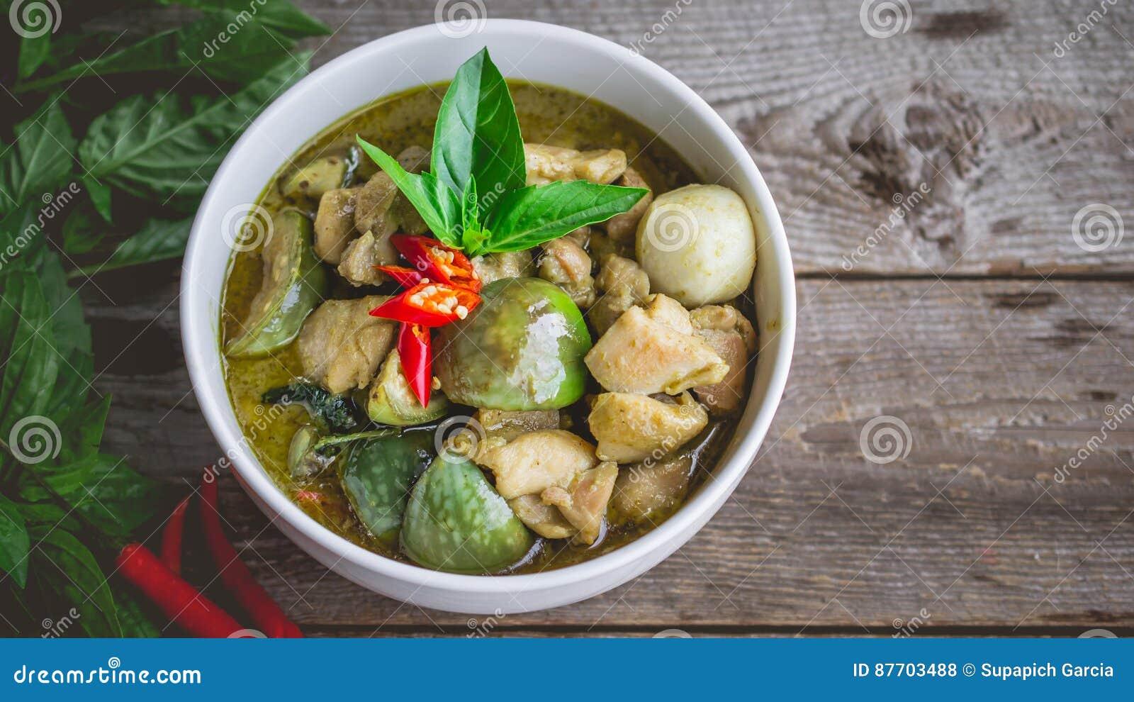 Cari thaï de vert de poulet Nourriture thaïlandaise célèbre de tradition Image pour