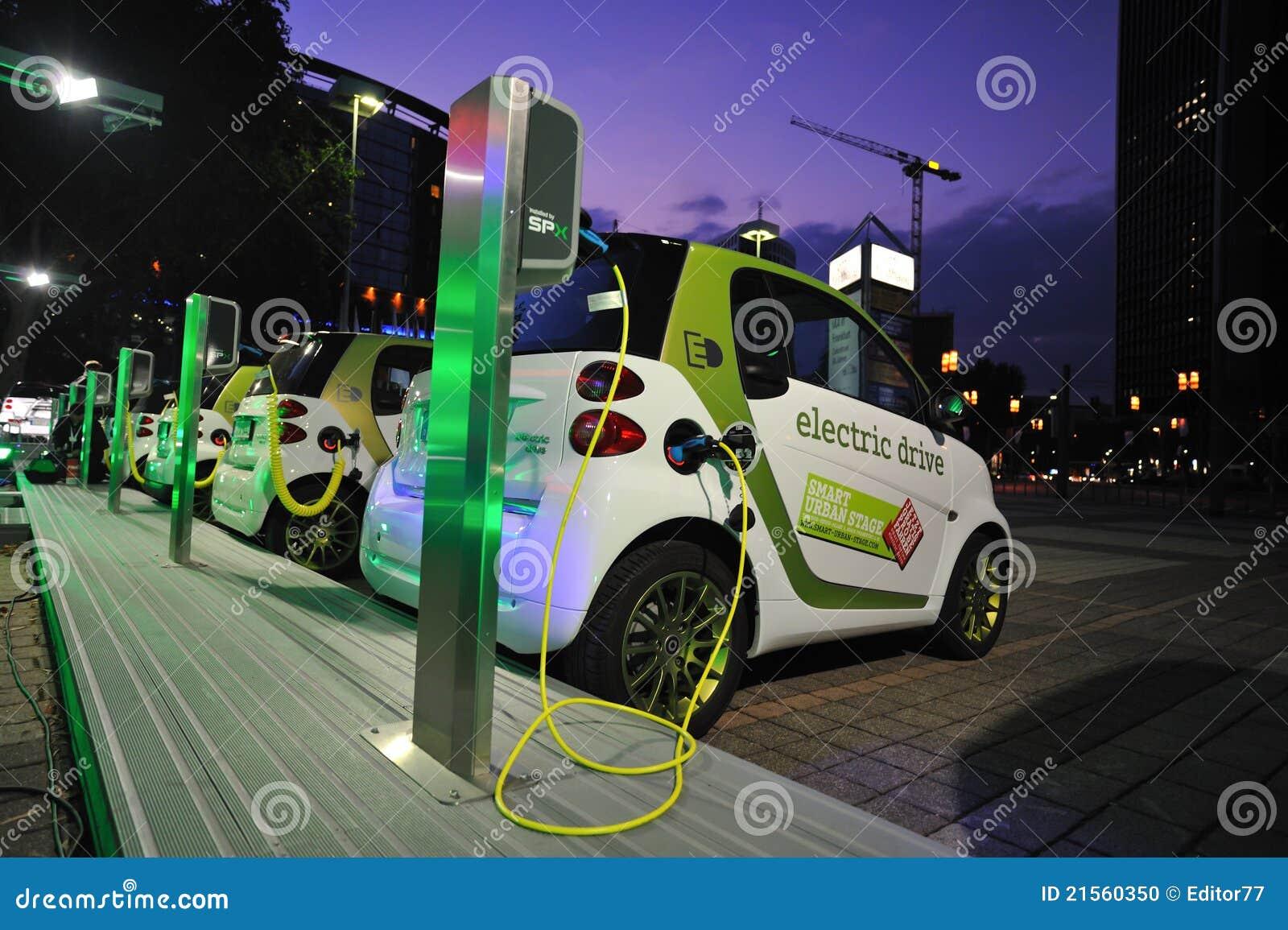 Carico dell automobile elettrica