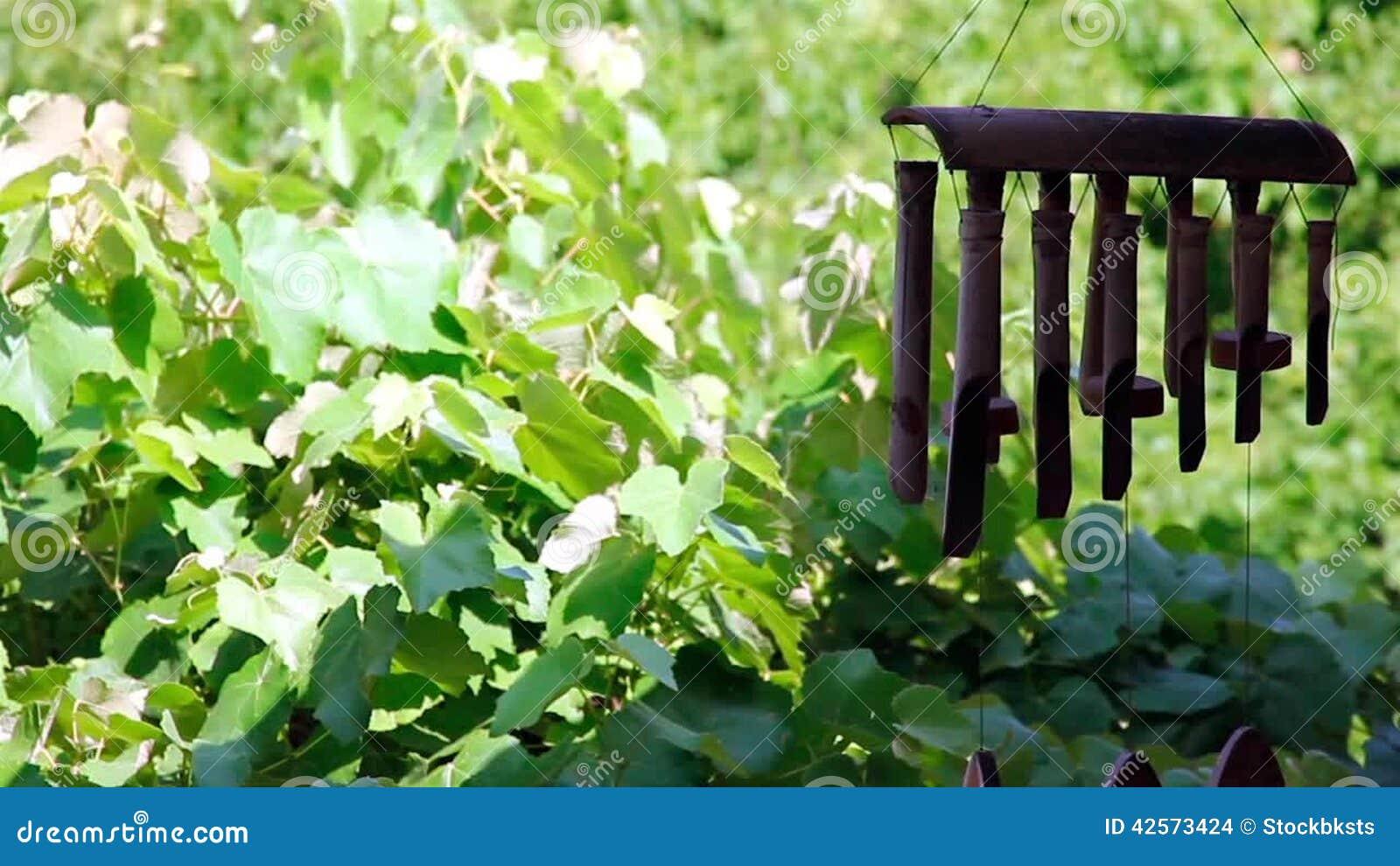 carillon bambou jardin abri jardin bambou best of stunning maison de jardin en bambou design. Black Bedroom Furniture Sets. Home Design Ideas
