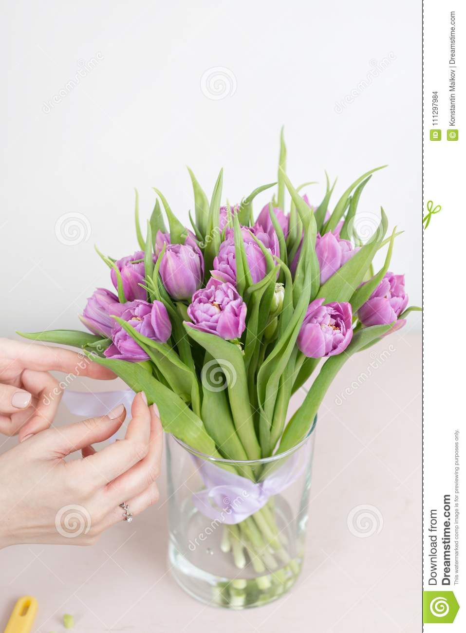 Caring for a bouquet of flowers step by step cut the stems and put download caring for a bouquet of flowers step by step cut the stems and izmirmasajfo