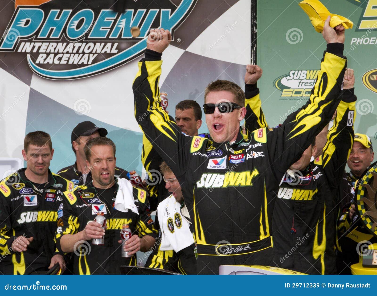 Motorista Carl Edwards do copo de NASCAR Sprint