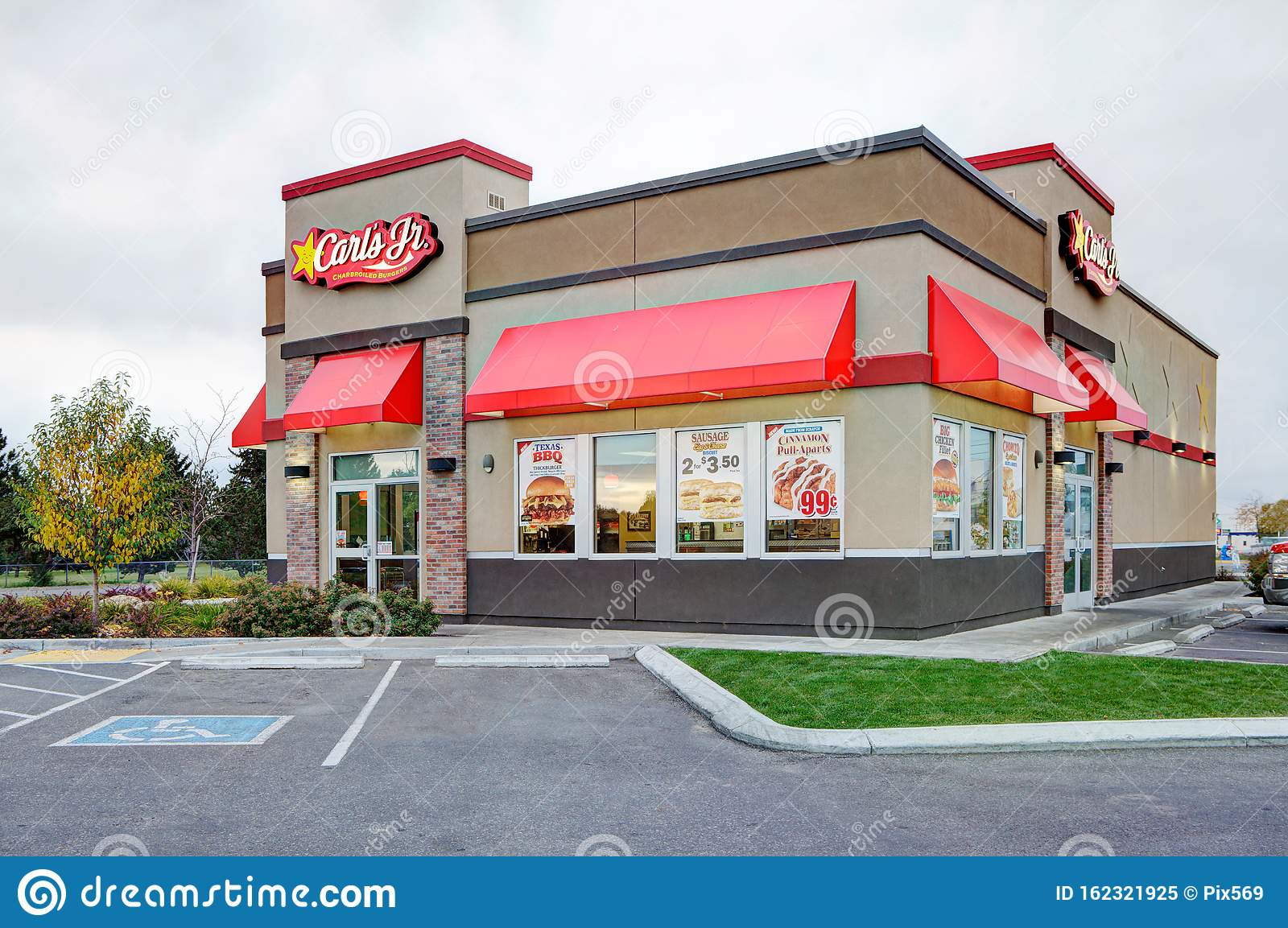 A Carl S Jr Fast Food Restaurant Editorial Image Image Of Burgers Handicapped 162321925