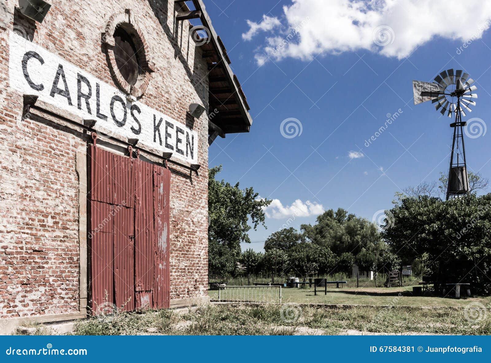 Carlos Keen Railroad station och väderkvarn