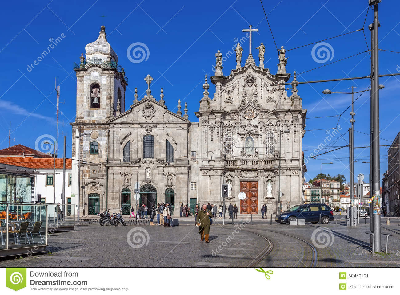 Carmelitas Church on the left, Mannerist and Baroque styles, and Carmo Church at the right in Rococo style