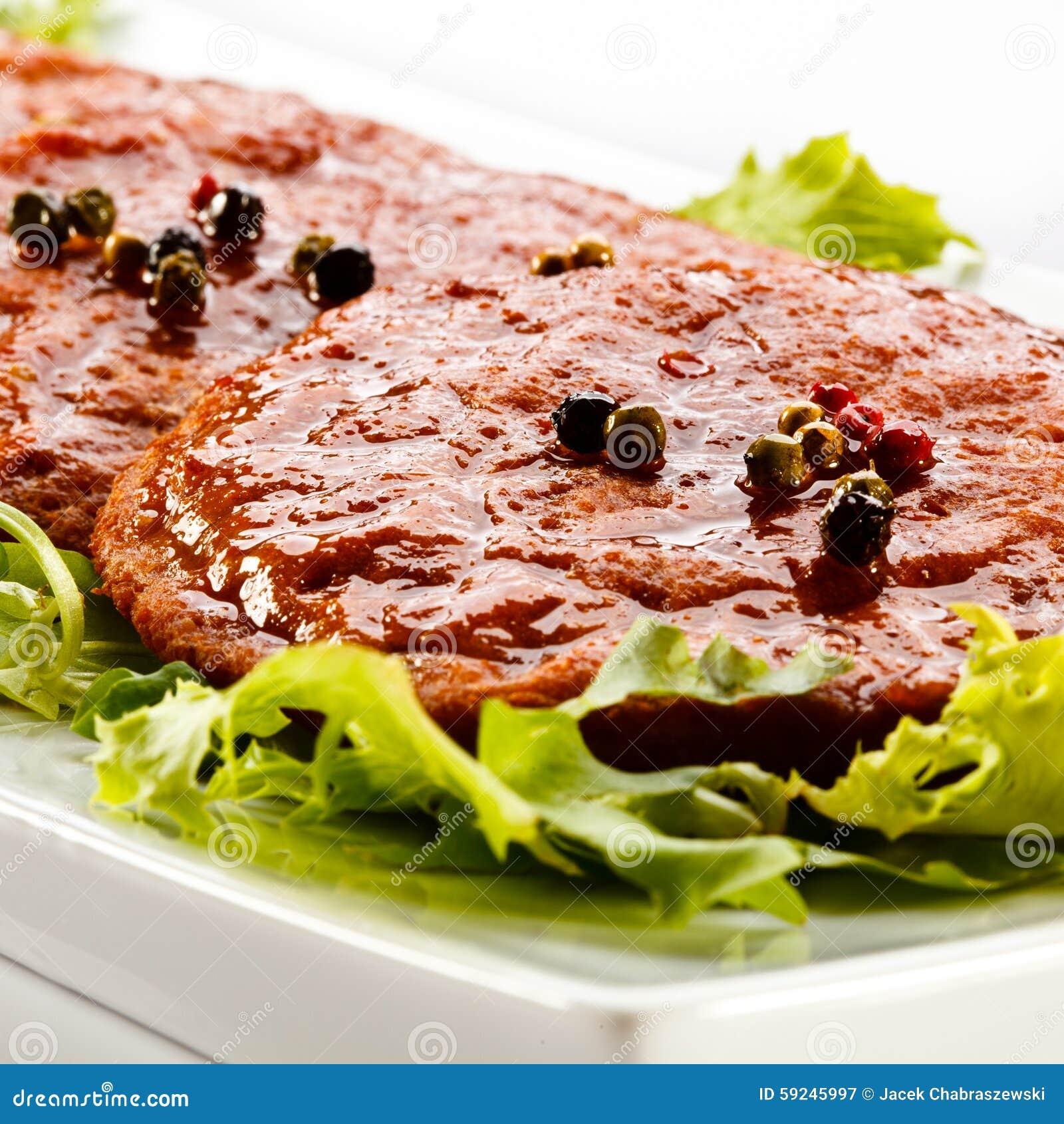 Download Carne Asada A La Parrilla Con La Ensalada Vegetal Imagen de archivo - Imagen de setas, barbecued: 59245997