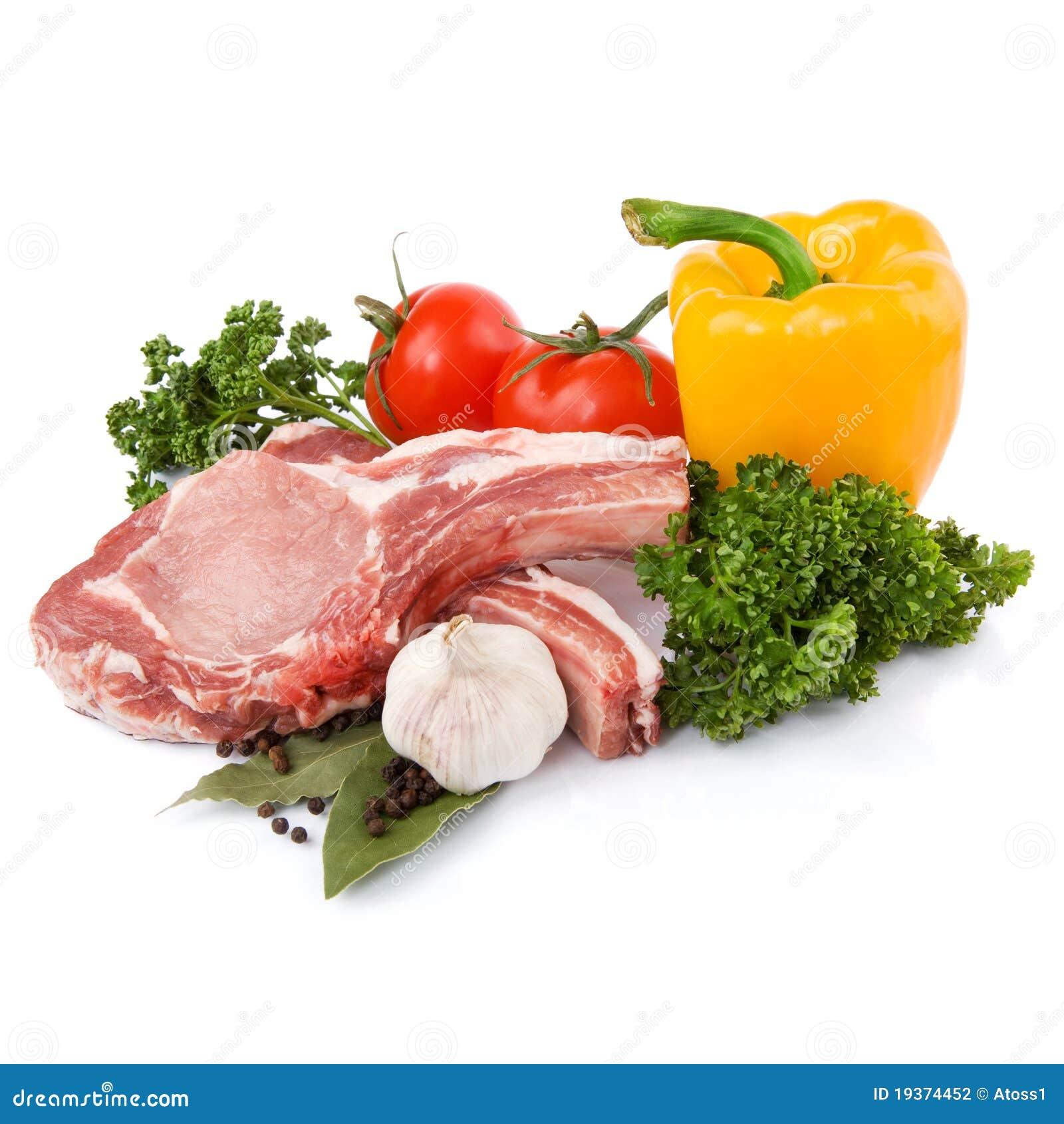Carne crua com vegetais